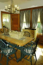 Primitive Living Room Colors by Top 25 Best Primitive Dining Rooms Ideas On Pinterest Prim