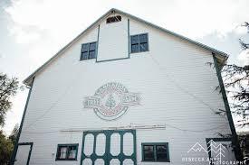 Washington Christmas Tree Farms - carnation tree farm wedding emma u0026 tom tacoma seattle wedding