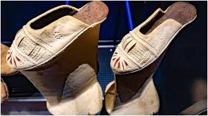 Challenge Alx Chopines 16th Century Platform Shoes A Challenge Even For The