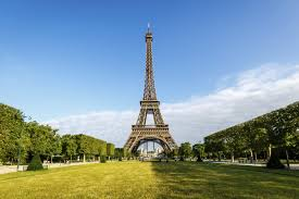 Large Eiffel Tower Statue