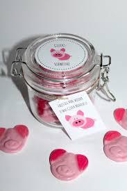 ausgefallene hochzeitsgeschenke selber machen diy geschenke aus dem glas glücksschweine selbermachen geschenke