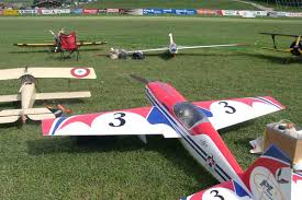 model airplanes information and pictures