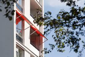 balkon regenschutz regenschutz für den balkon möglichkeiten vorschriften
