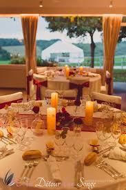 decoration de mariage et blanc décoration de salle de mariage couleurs blanc bordeaux et or