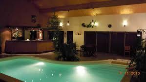 chambre troglodyte touraine chambre troglodyte avec piscine idées d images à la maison