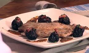 cuisiner les pruneaux côtes d échine de porc aux pruneaux plats mycuisine