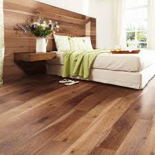 Buying Laminate Flooring Bedroom Flooring Buying Guide Carpetright Info Centre Homes