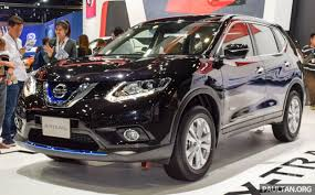 black nissan nissan x trail hybrid on show at 2015 thai motor expo