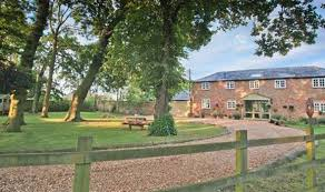 big farm house 10 luxury cottage breaks ideal for a big family celebration