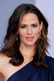 medium to long hairstyles for women over 40 medium lenght