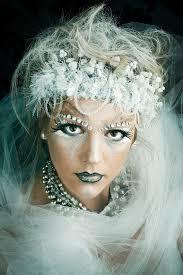 Queen Halloween Costumes 25 Ice Queen Costume Ideas Snow Queen Makeup