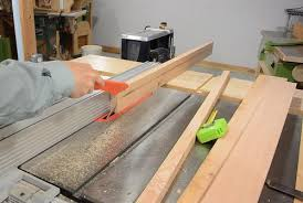 cutting angles on a table saw making a picture frame