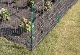 erecting a wire fence at the home depot