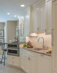 Kitchen Cabinets Cottage Style by Traditional Kitchen Cabinets With A Homey Ambiance Plain U0026 Fancy