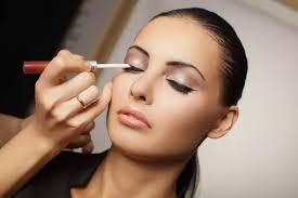 Professional Makeup Artist Classes 1 Answer Where Can I Find The Best Makeup Classes In Mumbai Quora