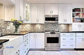 cuisine lambris ladaire design pour décoration cuisine moderne luxe decoration