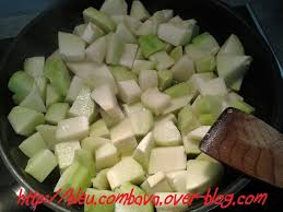 cuisiner les chouchous poulet mariné et chouchous sautés au paprika ma cuisine bleu combava