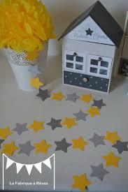 decoration etoile chambre guirlande étoiles cousues papier gris jaune étoile