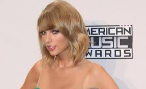 beach wave bob get the look taylor swift s beach wave bob fan in style fan in style