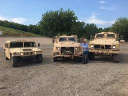 humvee never had a chance we drive us military u0027s new off road