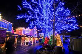 christmas lights in missouri 10 best christmas towns in missouri 2016