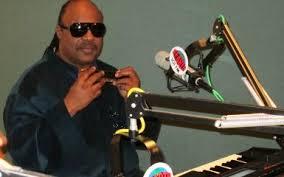 Is Stevie Wonder Blind And Deaf K Earth 101 Exclusive Stevie Wonder Brings Love Humor And Cheer