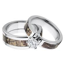 engagement ring and wedding band set his and s matching realtree ap camouflage wedding