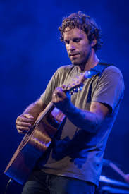 jack johnson all the light above it too review jack johnson s all the light above it too offers advice in