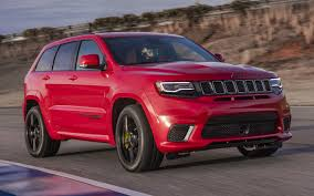 jeep summit 2017 comparison jeep grand cherokee trackhawk supercharged 2018 vs