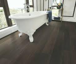 bathroom floor ideas vinyl the 25 best vinyl flooring bathroom ideas on grey