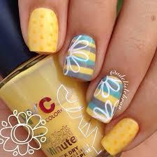 cute yellow gray blue and white daisy mix match mani nail