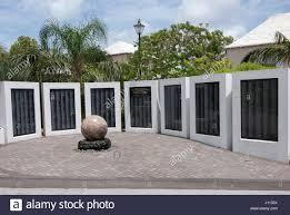 War Cabinet Ww2 Bermuda War Memorial In The Cabinet Building Garden Front Street