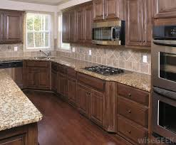 brown kitchen cabinets like this mostly cabinets a but clean kitchen
