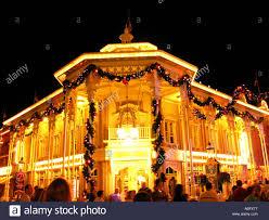 florida walt disney world christmas main street usa magic kingdom