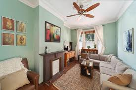 darling one bedroom townhouse flat in greenpoint asks just 660k