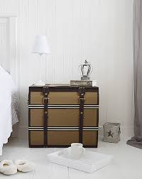 Trunk Bedside Table by Vintage Storage Trunk As A Side Table Ot Bedisde Table