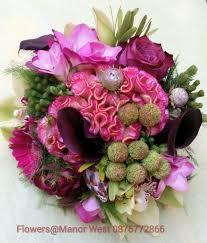wedding flowers kerry 32 beautiful winter wedding bouquets weddingsonline