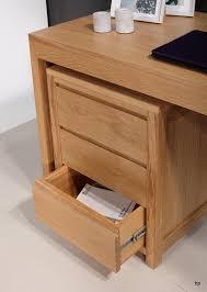 bureau contemporain bois massif bureau contemporain en chêne accompagné de caisson de 3 tiroirs