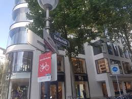 25hours hotel bylevis frankfurt goethestr 2 00fc0bd05d8462599d37ae jpg