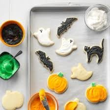 wilton 4 piece grippy halloween cookie cutter set amazon
