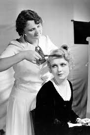 old fashinoned hairdressers and there salon potos 217 best vintage beauty parlor images on pinterest hair dos