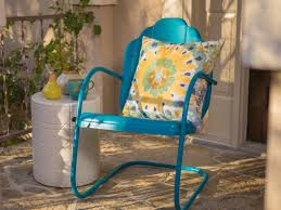 Outdoor Metal Patio Furniture How To Paint An Outdoor Metal Chair How Tos Diy
