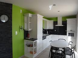 peinture murs cuisine avec tendance peinture complete lit ameublement couleur et une