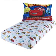 amazon com disney pixar cars lightning mcqueen toddler sheet set
