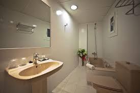 Bathtub 3 Persons Hotel Arc Arc La Rambla Hotel Deals Reviews Barcelona Redtag Ca