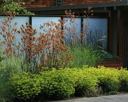9 modern materials for garden walls and fences luxury pools