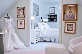 bedroom winter wedding decoration ideas with mirror dresser and