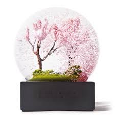 four season snow globe apollobox