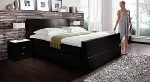 Schlafzimmer Schwarzes Bett Welche Wandfarbe Funvit Com Schlafzimmer Gestalten Farbe Gelb