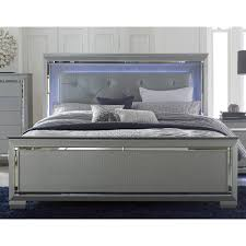 Bedroom Size For Queen Bed Get An Upholstered Bed Fromrc Willey